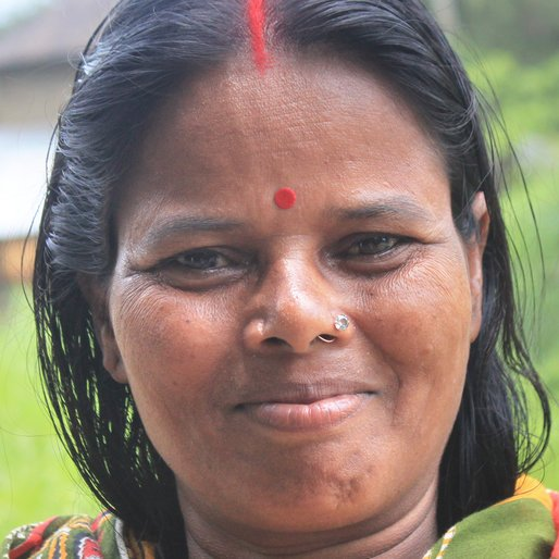 Arati Roy is a Wage labourer from Chaltapur, Khanakul-I, Hooghly, West Bengal