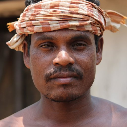 Babulu Haw is a Daily wage labourer from Badararuan, Raruan, Mayurbhanj, Odisha