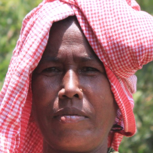 Bandana Mondal is a Homemaker from Madina, Goghat-I, Hooghly, West Bengal