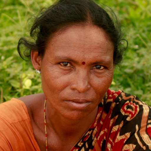 BINA SARDAR is a Labourer from Khal Dhar, Chakdaha, Nadia, West Bengal