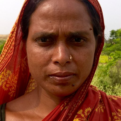 SAGAR BIBI is a Labourer from Maheshnagar, Chapra, Nadia, West Bengal