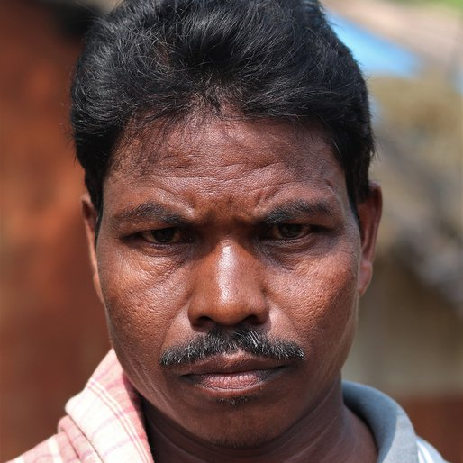 Dakka Purti is a Daily wage labourer from Ratandihi, Tiring, Mayurbhanj, Odisha