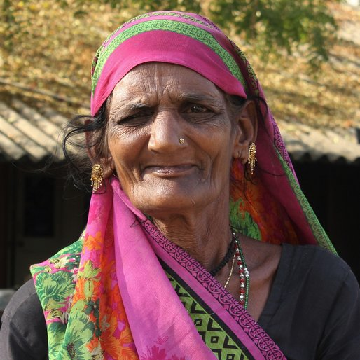 Geeta Chuntlaj is a Farmer from Jhaloda, Kadi, Mahesana, Gujarat