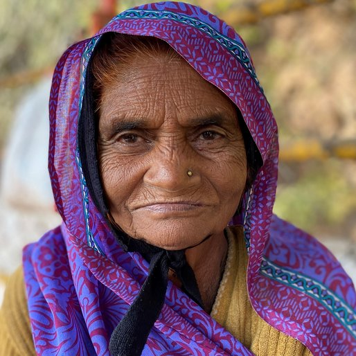 Geetabai is a Farmer and flower seller from Omkareshwar (town), Punasa, Khandwa, Madhya Pradesh