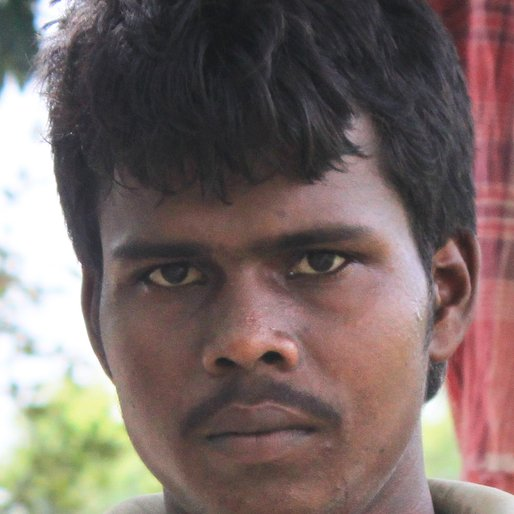 Hiru Ray is a Wage labourer from Madina, Goghat-I, Hooghly, West Bengal