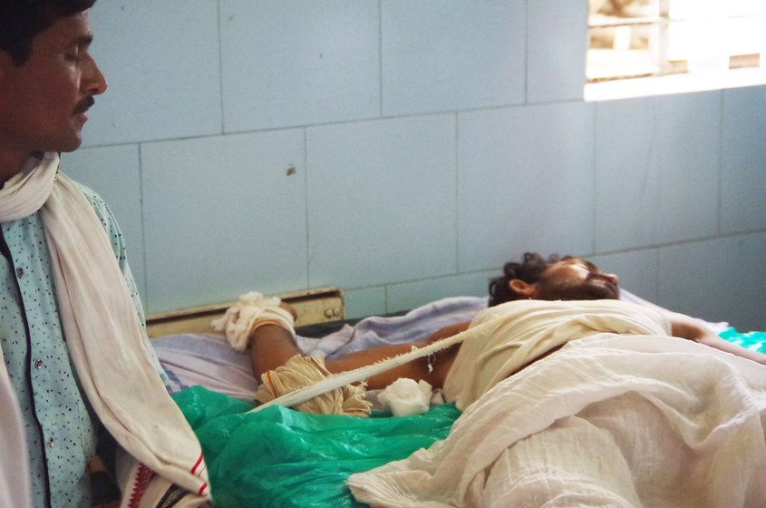 One of the farmers, completely disoriented, had to be tied to his bed in the ICU of the Yavatmal hospital so that he did not fall down as his body jerked