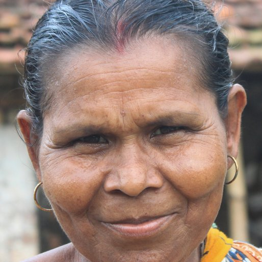 SARASWATI PANJA is a Homemaker from Khosmura, Domjur, Howrah, West Bengal