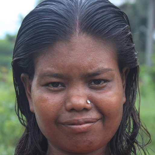 MENOKA PAL is a Homemaker from Khosmura, Domjur, Howrah, West Bengal