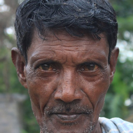 SANTANU GHUIA is a Farmer from Khosmura, Domjur, Howrah, West Bengal