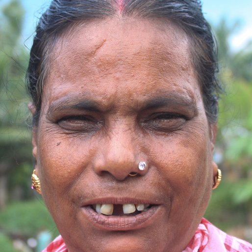 SWATI MAKHAL is a Homemaker from Khosmura, Domjur, Howrah, West Bengal