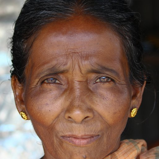 PRABHA SAHA is a Tea seller from Bandarganj, Phansidewa, Darjeeling, West Bengal