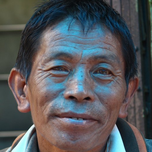 DIL BAHADUR MUKHIYA is a Newspaper seller from Kurseong, Kurseong, Darjeeling, West Bengal