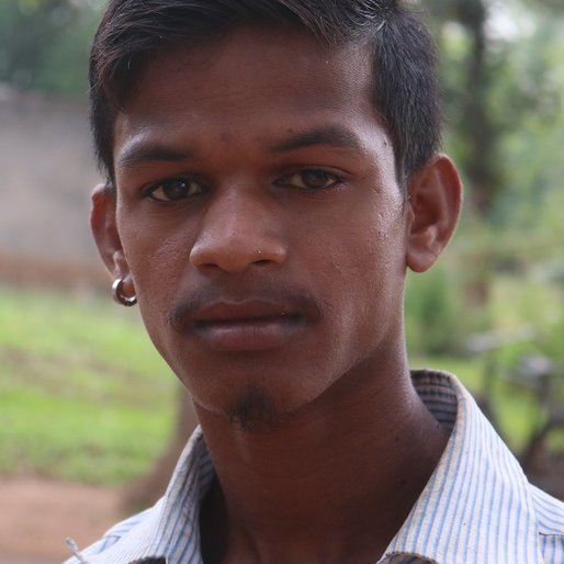 Surya Bentkar is a Daily wage farm labourer from Chapundia, Hatadihi, Kendujhar, Odisha