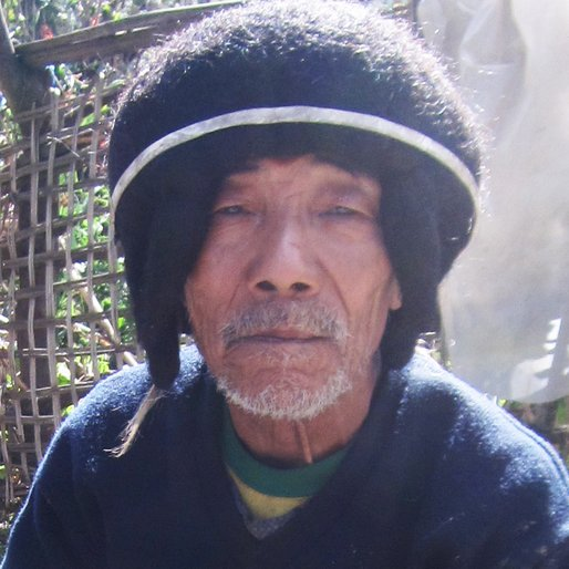 CHUMBI MEGEJI is a Honey collector from Thungri, Kalaktang, West Kameng, Arunachal Pradesh