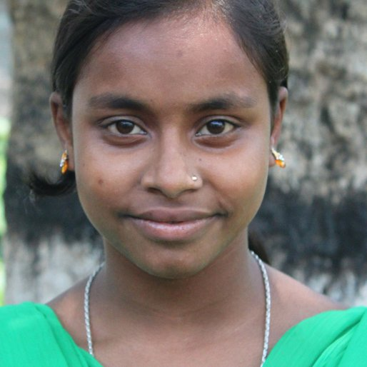 Jolly Khatun is a Class 8 student from Ramchandrapur, Khargram, Murshidabad, West Bengal