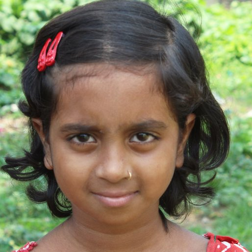 Shyamoli Khatun is a Class 6 student from Dangapara, Khargram, Murshidabad, West Bengal
