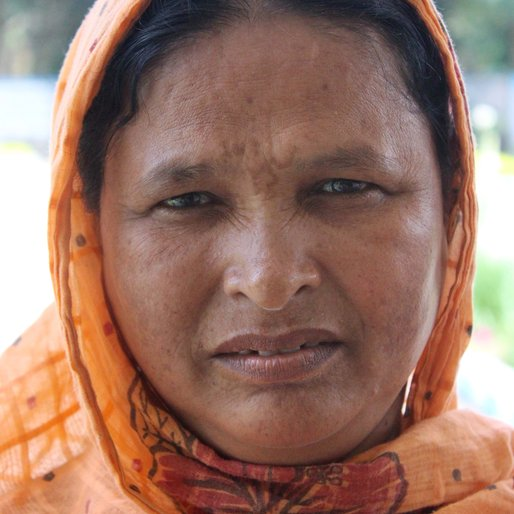 Morjina Bewa is a Daily wage labourer from Chhatimtala, Chakdah, Nadia, West Bengal