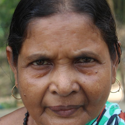Luxmirani Mondal is a Shopkeeper from Choa, Hariharpara, Murshidabad, West Bengal