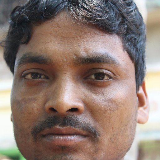 Prabhat Dalui is a Driver from Rasora (P), Kandi, Murshidabad, West Bengal