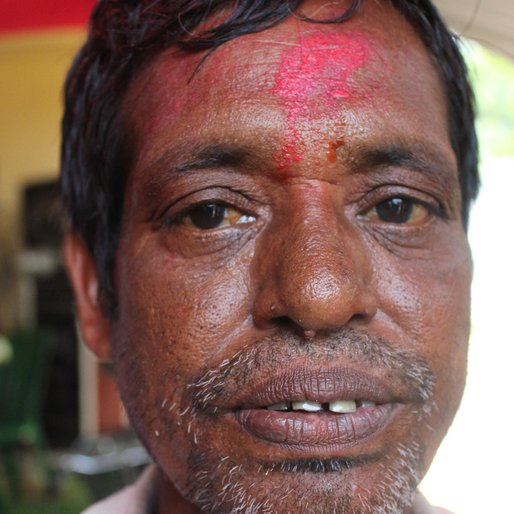 Shankar Mondal is a Daily wage labourer from Saktipur, Beldanga-II, Murshidabad, West Bengal