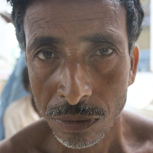 Mantu Shaikh is a Farmer from Muniadihi, Burwan, Murshidabad, West Bengal