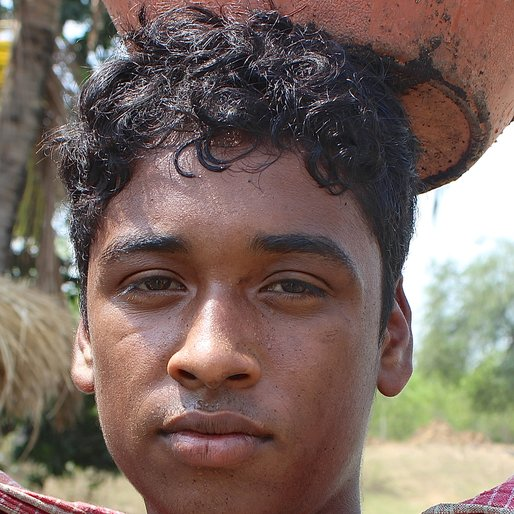 PARTHA SAHA is a Labourer from Ausgram, Ausgram, Bardhaman, West Bengal