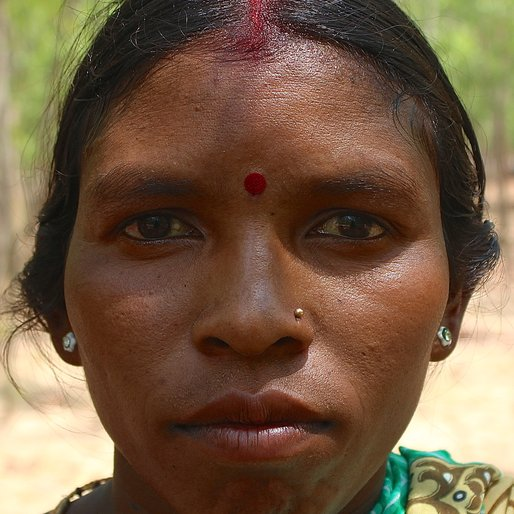 BUDIN TUDU is a Labourer from Jorkadanga, Bardhaman, West Bengal