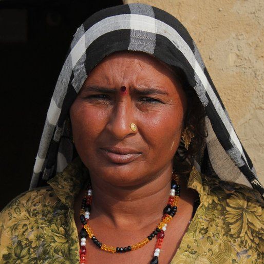 Bimla is a Unemployed; mendicant from Abholi, Rania, Sirsa, Haryana