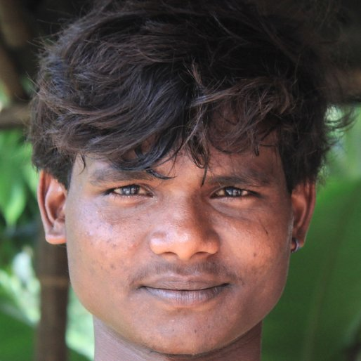 Avijit Khan is a Daily wage labourer from Dainan Anantanagar, Khanakul-I, Hooghly, West Bengal