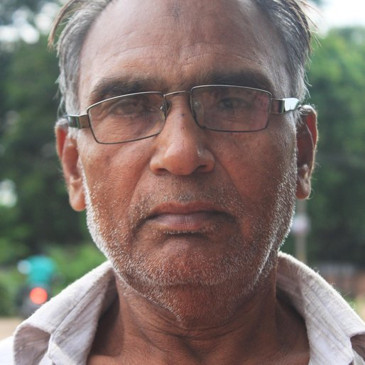 HASSAN IUNUS is a Labourer from Gopinathpur, Bankura II, Bankura, West Bengal