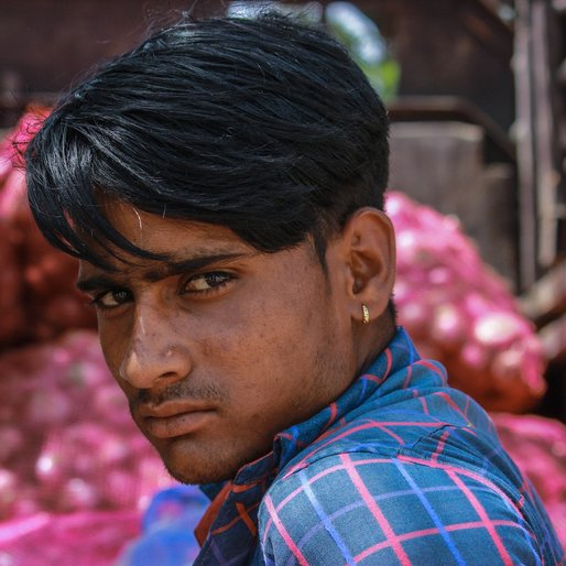 Vikram Banjara is a Vendor and daily wage labourer from Mehara Jatoowas, Khetri, Jhunjhunun, Rajasthan