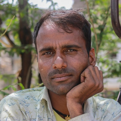 Raju Banjara is a Vendor and daily wage labourer from Mehara Jatoowas, Khetri, Jhunjhunun, Rajasthan