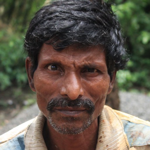 BANDHAN BERA is a Labourer from Bagnan- I, Bagnan I, Howrah, West Bengal