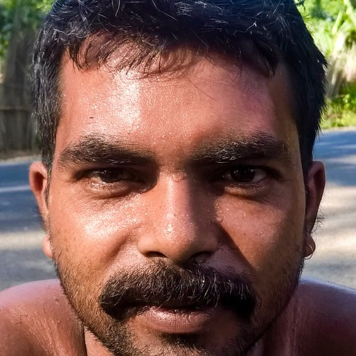SANJAY DAS is a Labourer from Nandapur, Karimpur II, Nadia, West Bengal