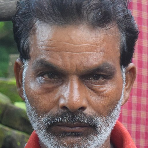 Khedan Mahato is a Driver from Bhajna, Patharpratima, South 24 Parganas, West Bengal