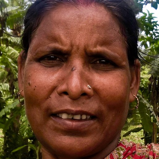 LAXMI HALDER is a Homemaker from Bhajanghat, Krishnaganj, Nadia, West Bengal