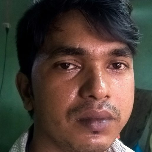 TAPAN DAS is a Barber from Jhitkeponta, Krishnagar I, Nadia, West Bengal