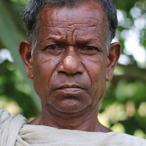 Kussa Munda is a Daily wage labourer from Ghosda, Karanjia, Mayurbhanj, Odisha