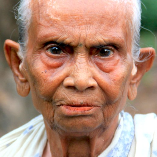 KUSUMKALI DEBNATH is a Alms seeker from Sankchura, Basirhat, North 24 Parganas, West Bengal