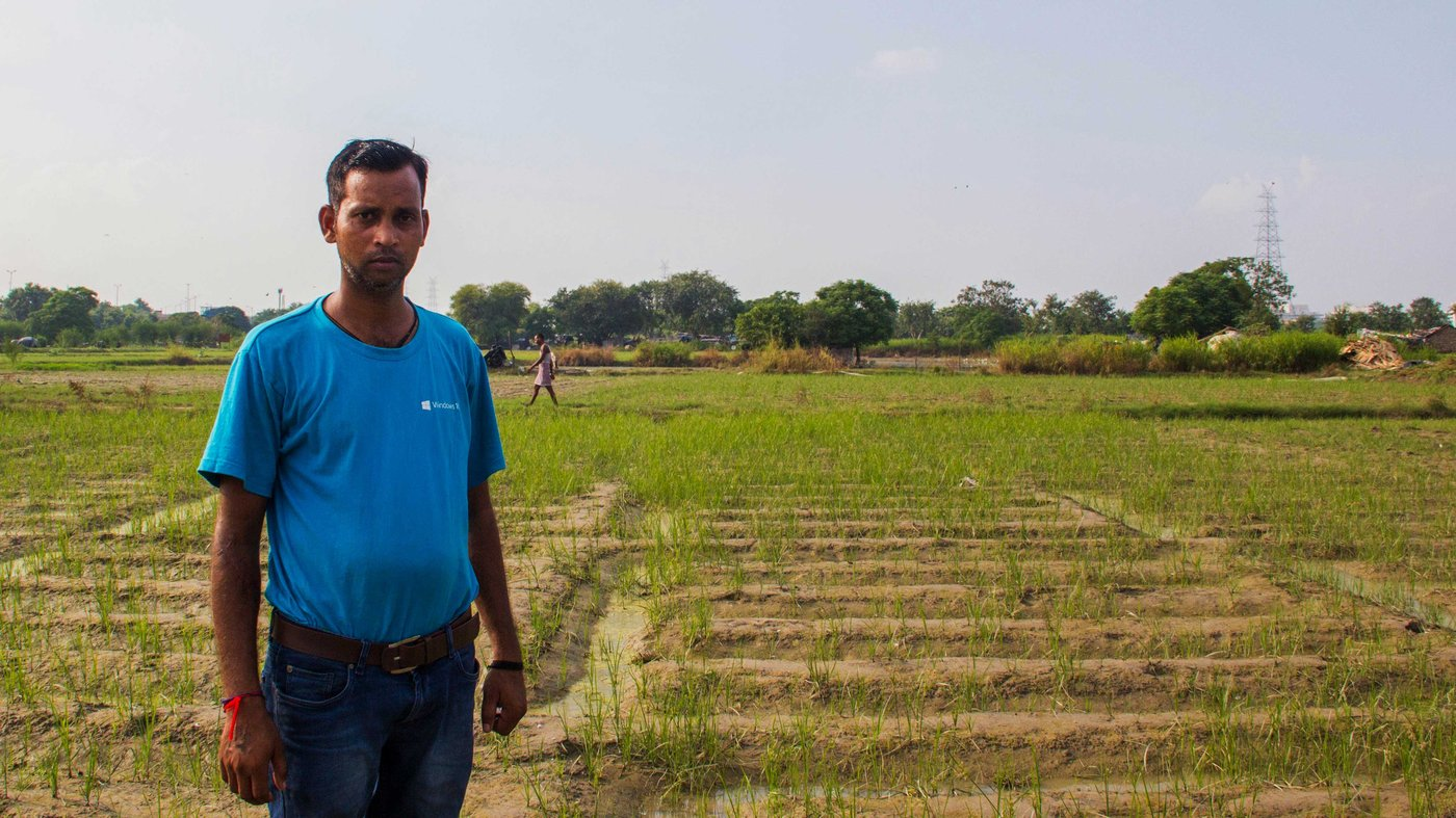 Shiv Shankar, his son Vijender Singh (left) and other cultivators describe the many changes in temperature, weather and climate affecting the Yamuna floodplains.