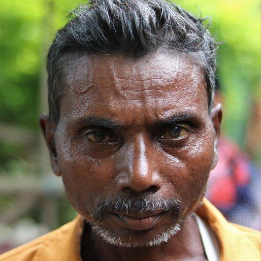 Manholi Bindhani is a Daily wage labourer from Bankisol, Gopabandhunagar, Mayurbhanj, Odisha