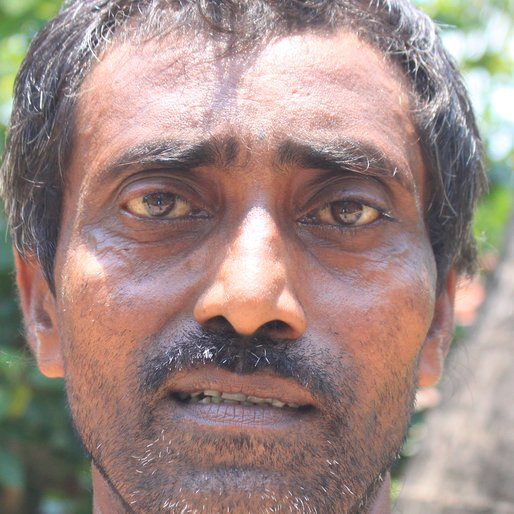 Manoranjan Patra is a Wage labourer from Baganda, Shyampur-I, Howrah, West Bengal