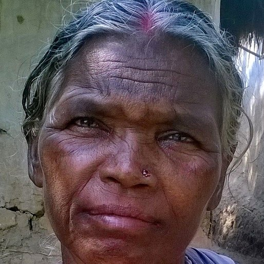 MINOTI LOHAR is a Homemaker from Goalpara, Bolpur-Sriniketan, Birbhum, West Bengal