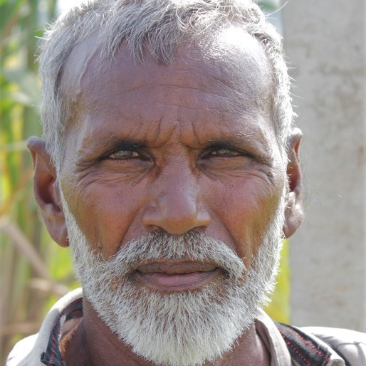 Niranjan Singh is a Farmer and pesticide sprayer from Ratta Theh, Jakhal, Fatehabad, Haryana