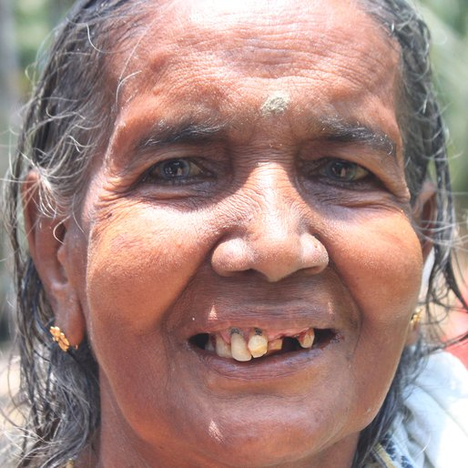 Puspo Majhi is a Homemaker from Baganda, Shyampur-I, Howrah, West Bengal