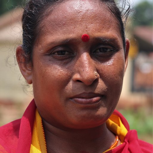 Ratnamami Mahata is a Teacher at the local anganwadi from Tentulibati, Muruda, Mayurbhanj, Odisha