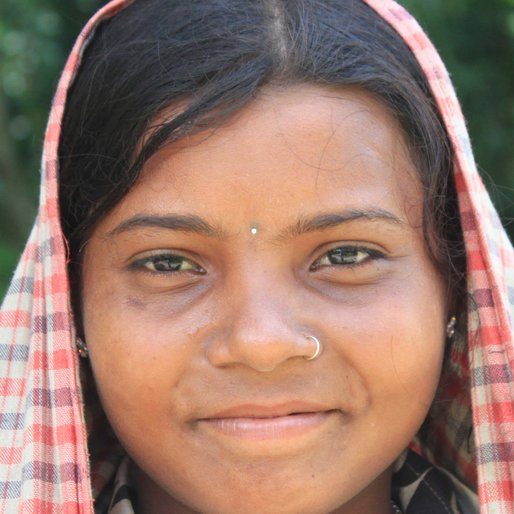 Rina Bauri is a Wage labourer from Chakrapur, Khanakul-I, Hooghly, West Bengal