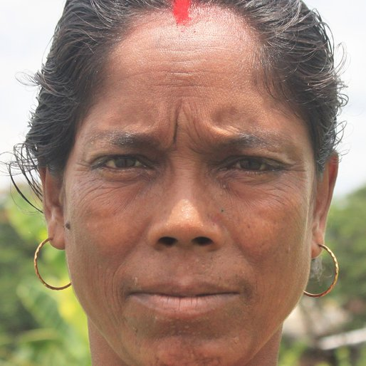 Rukkini Dolui is a Wage labourer from Chaltapur, Khanakul-I, Hooghly, West Bengal