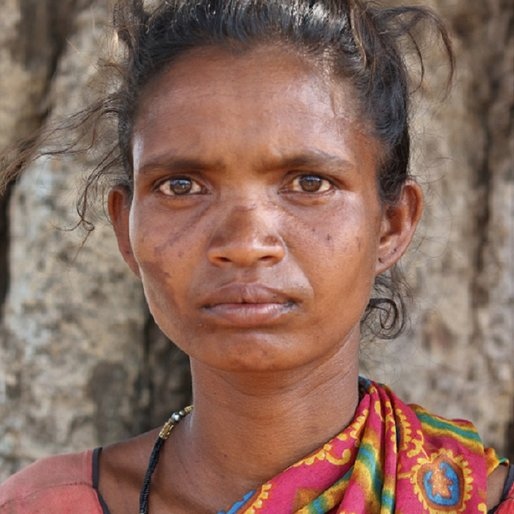 Rukmani Munda is a Daily wage farm labourer from Ukuchabeda, Ghatgaon, Kendujhar, Odisha