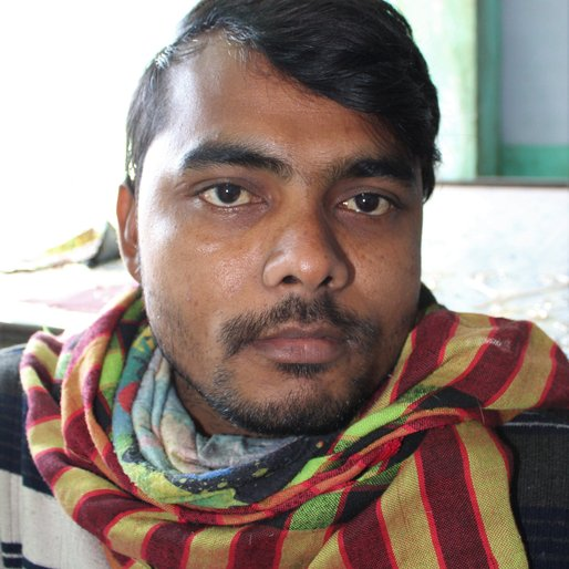 Salman is a Zardosi embroider from Rajauli, Bakshi-ka-Talab , Lucknow, Uttar Pradesh